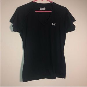 UNDER ARMOUR Size Medium Shirt